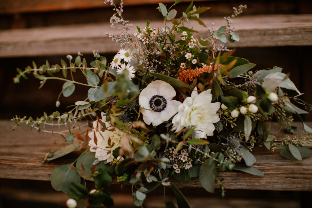 Rustic bohemian theme florals for wedding