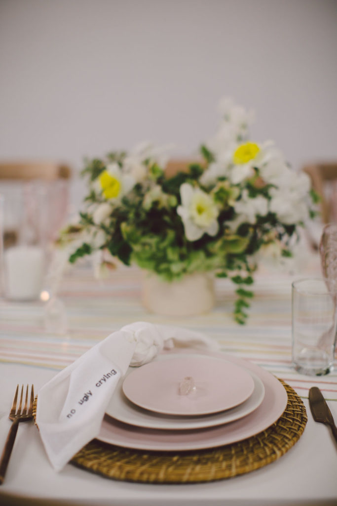 A fun and easy table design for a dinner with your girl friends