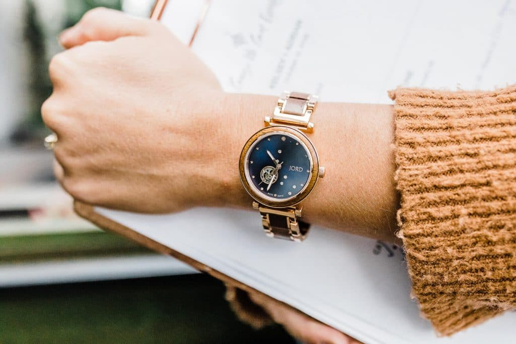 Jord Watch Cora Polaris in midnight blue. Top 5 must haves for your wedding kit! Wedding Planning tools and accessories that every event planner needs!