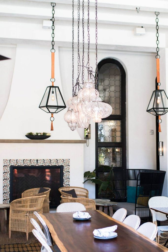 Boutique Hotel Figueroa with modern and spanish vibes in downtown los angeles. Perfect wedding venue for the modern couple