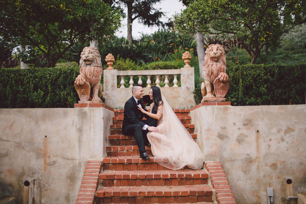 Bride and groom photo inspiration in Beverly Hills for a rebellious and edgy elopement