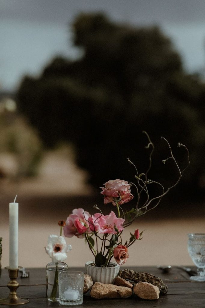 A creative floral arrangement for a wedding in the desert