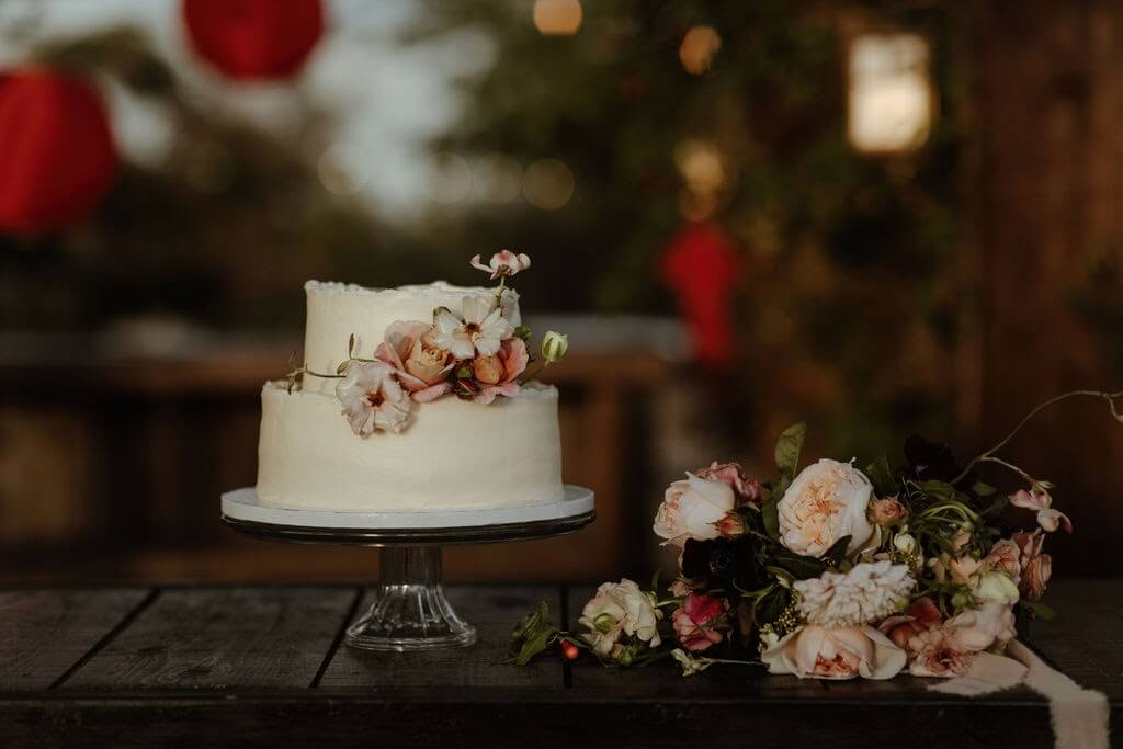 A wedding cake display for a relaxed desert chic wedding.