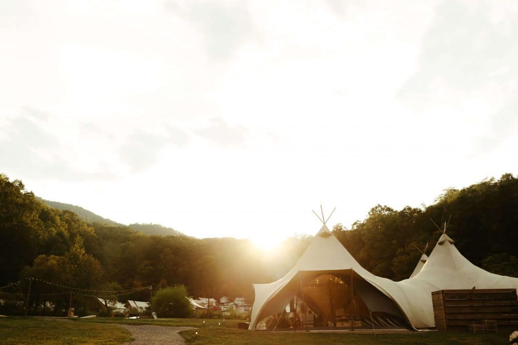 Under Canvas Smoky Mountains glamping tents